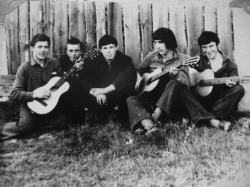 Boys-with-guitars-from-Nizhni-Novgorod.JPG